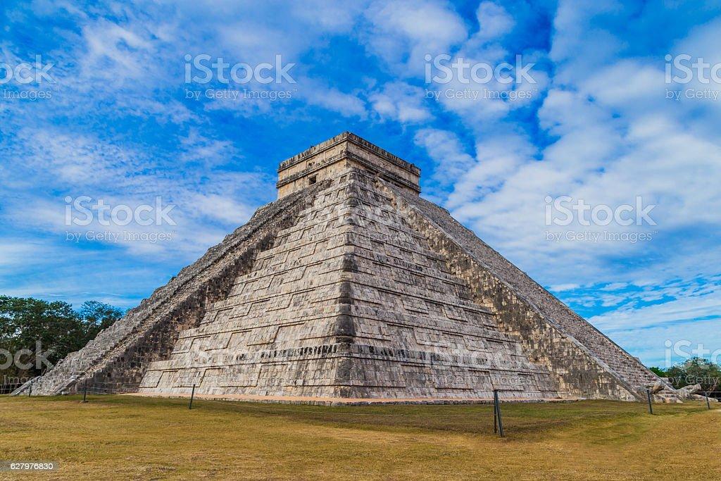 Mayan pyramid of Kukulcan El Castillo in Chichen Itza, Mexico stock photo