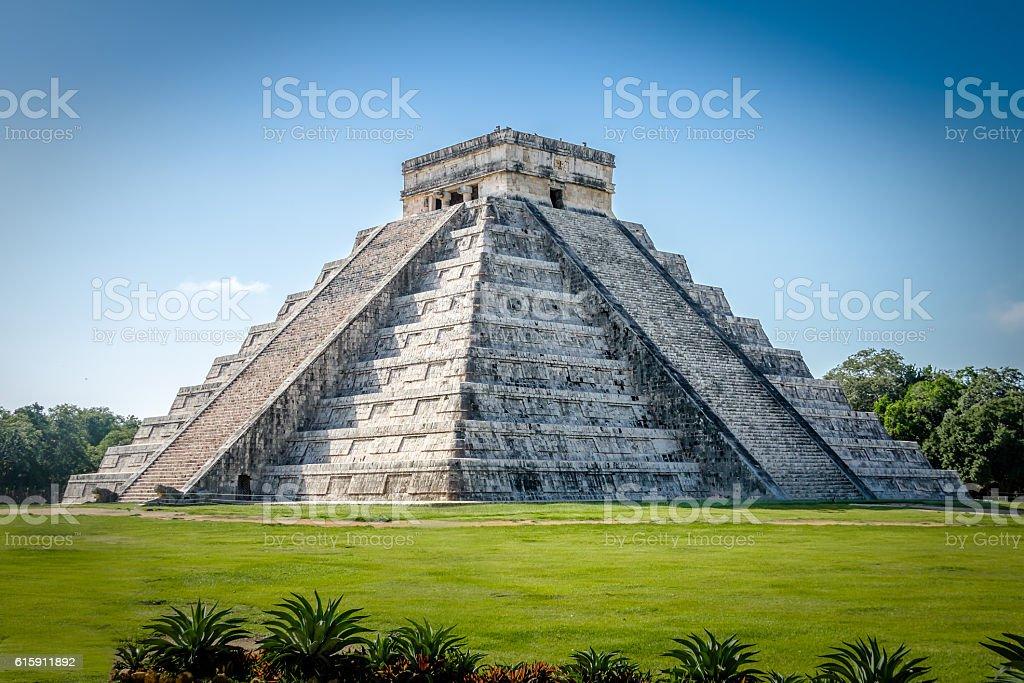Mayan Temple pyramid  of Kukulkan - Chichen Itza, Yucatan, Mexico stock photo