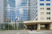 Mayo Clinic Gonda Building East Entrance