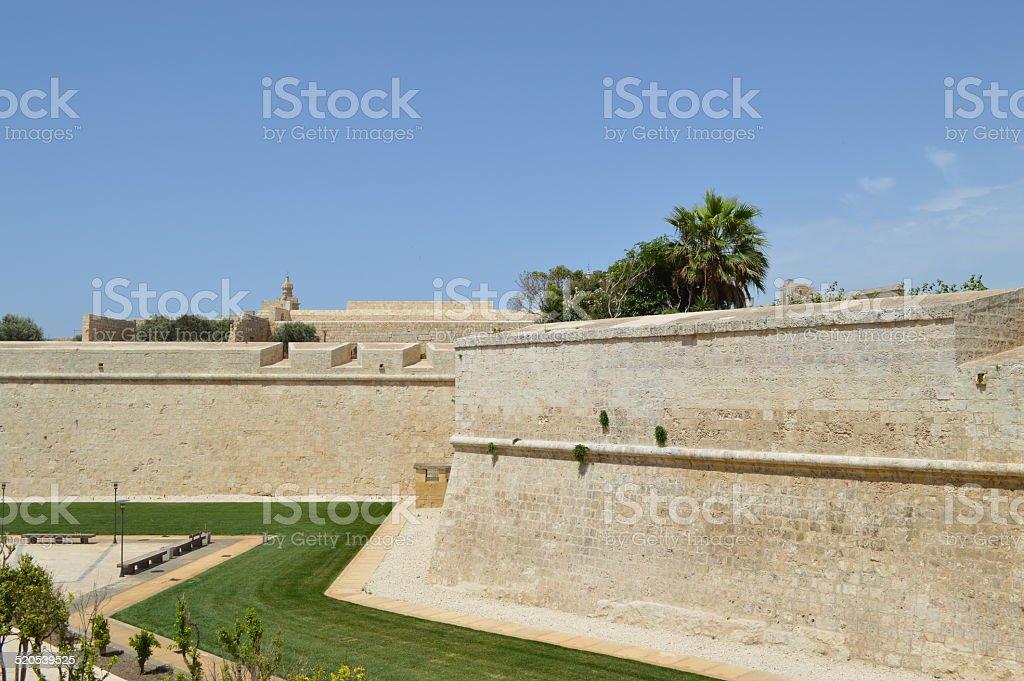 Pared mdina fortification malta foto de stock libre de derechos