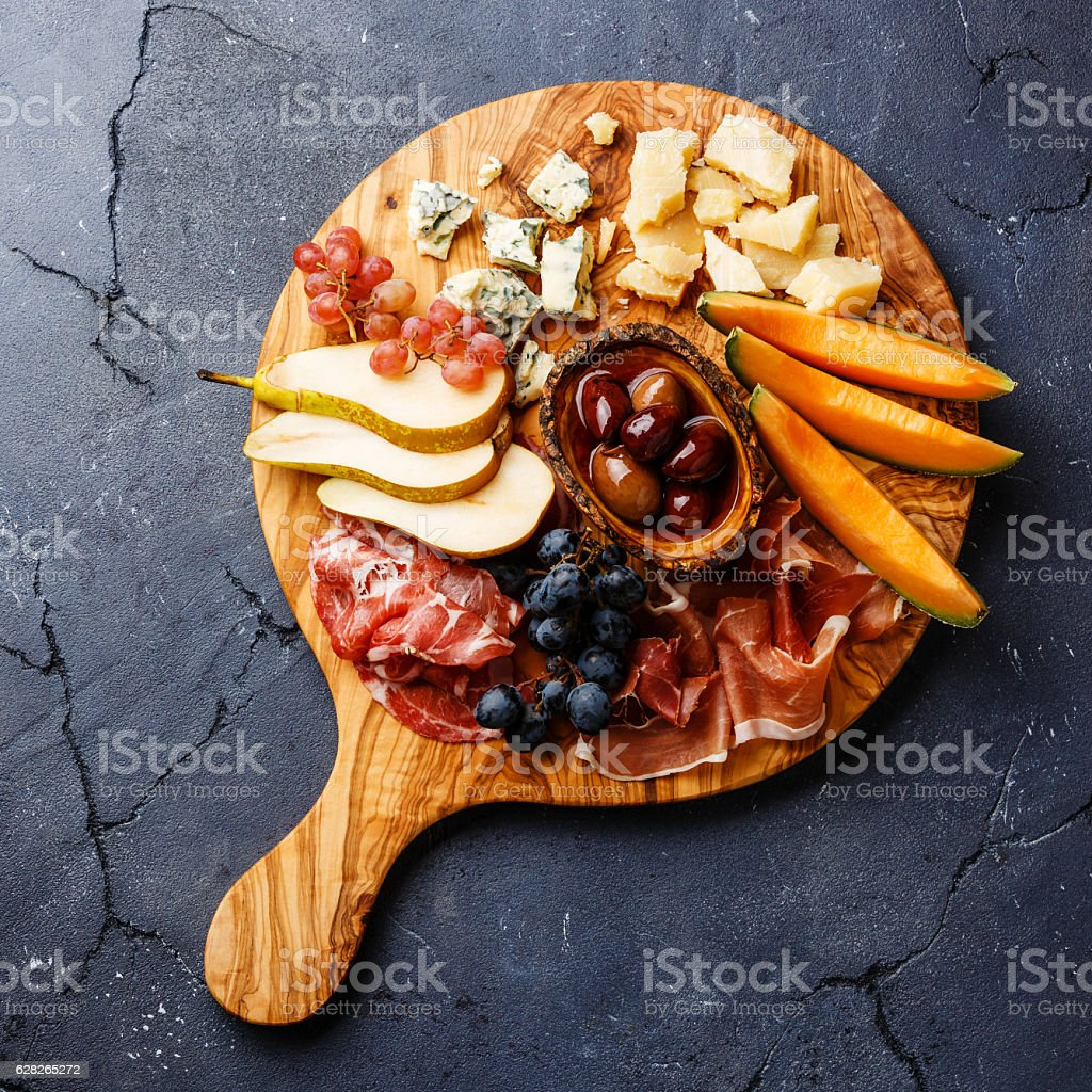 Meat and cheese plate antipasti snack – Foto