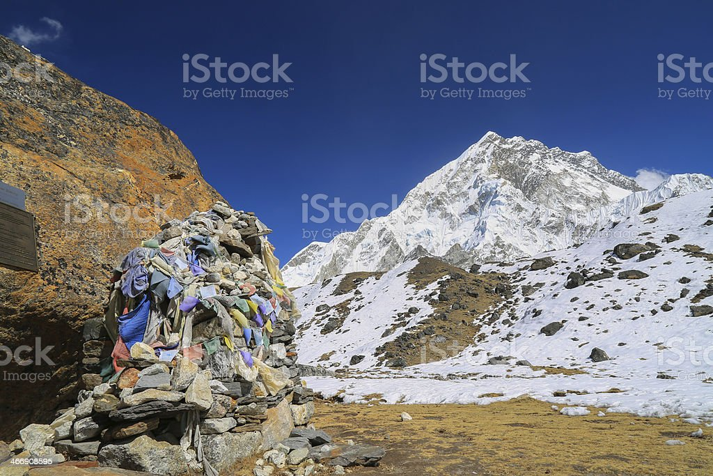 memorial for climber beside of everest stock photo
