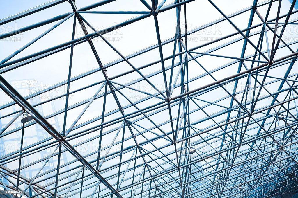 Metal estructura de pilares de oficina moderna - Estructura de metal ...