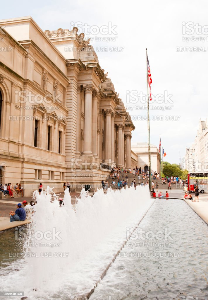 Metropolitan Museum of Art and Fountain New York City stock photo