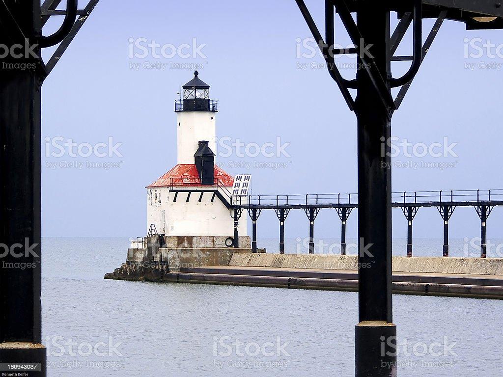 Michigan City Faro attraverso strada foto stock royalty-free