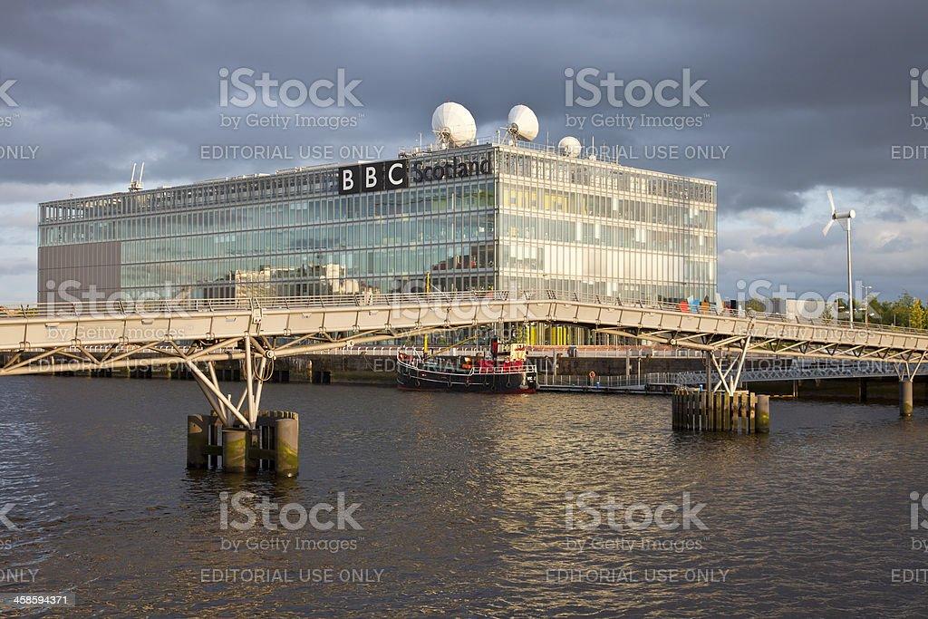 Millenium Bridge, steam lighter and BBC Scotland, River Clyde, Glasgow stock photo