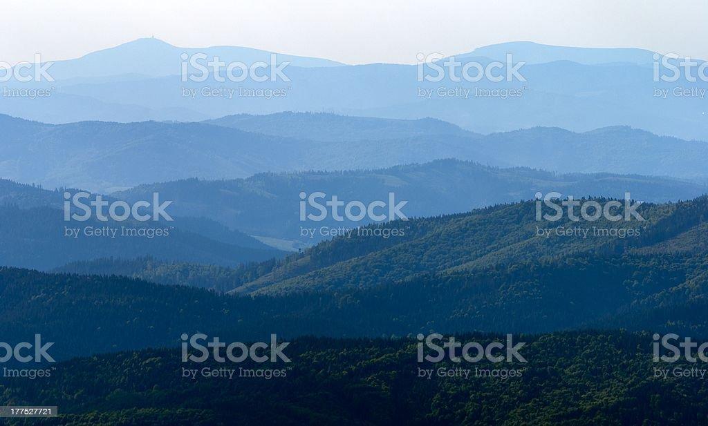 misty horizons tons bleus photo libre de droits