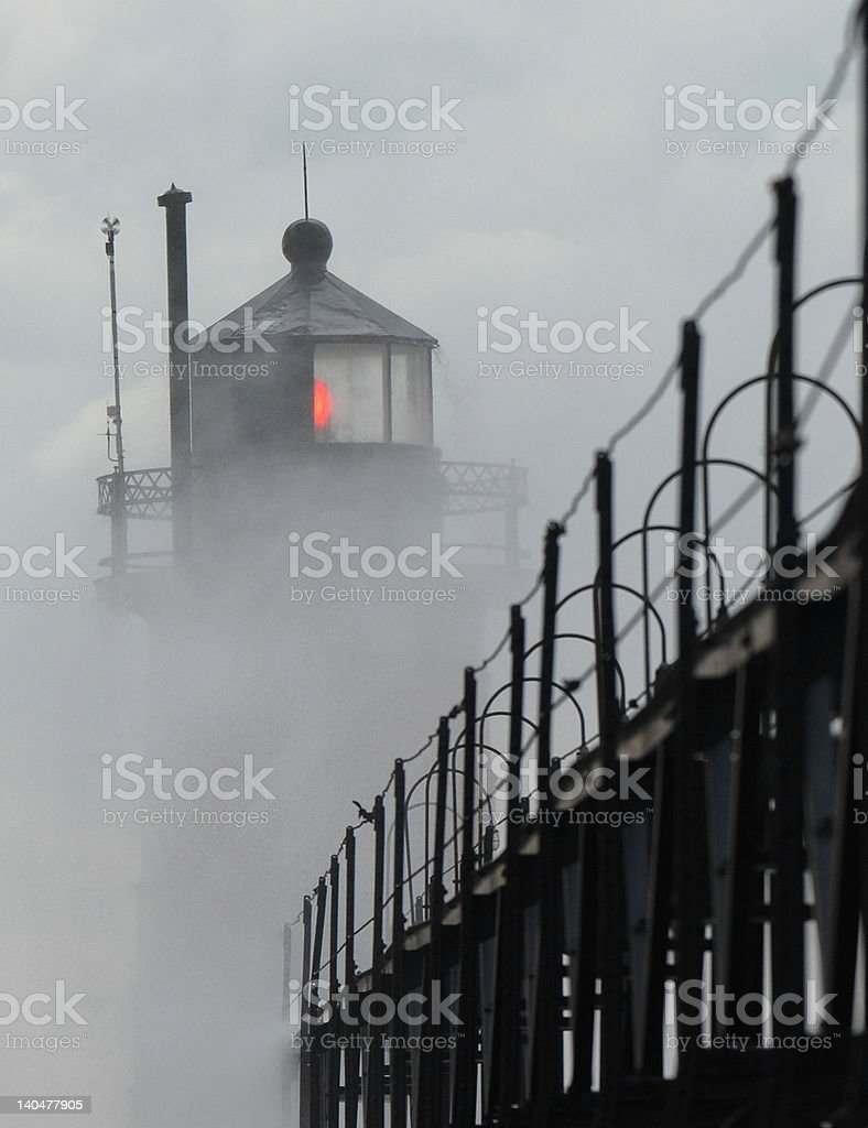 Misty Farol foto de stock royalty-free