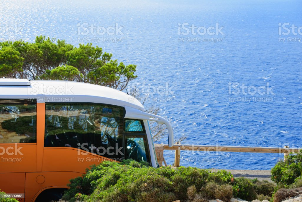 mit dem bus zum meer stock photo