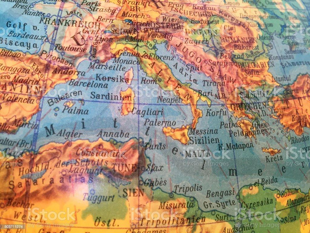 Mittelmeer, Italien Landkarte Alter Globus / Weltkarte stock photo