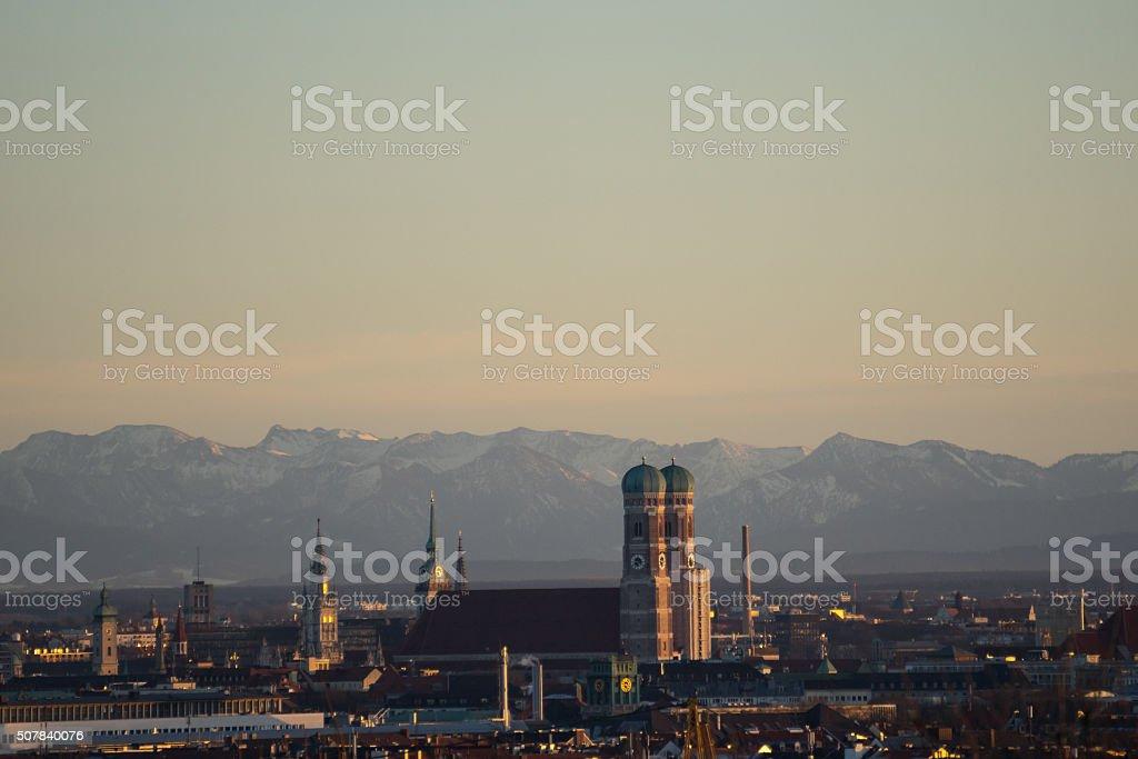 München Alpen Panorama Frauenkirche Schnee - Munich Alps Snow stock photo