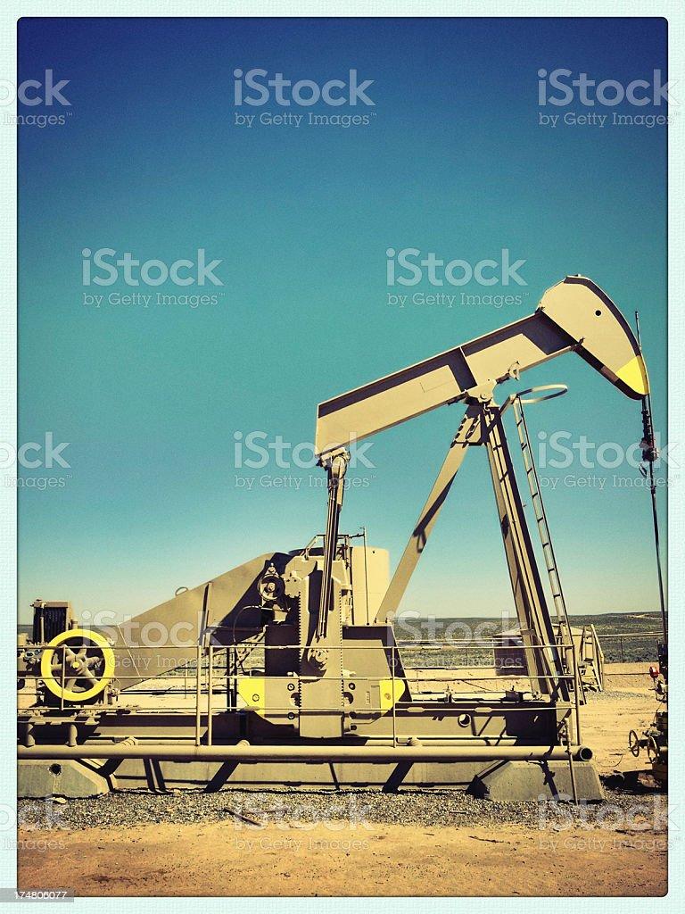 mobilestock oil rig stock photo