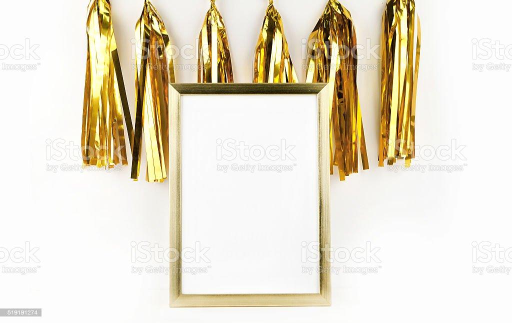 Maquete quadro. Ouro decoração. Moldura dourada. Pendão de ouro foto royalty-free
