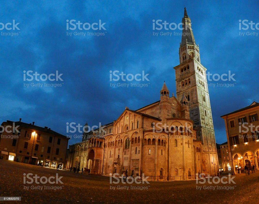 Modena by night: Piazza Grande, Duomo, Ghirlandina tower (Italy) stock photo