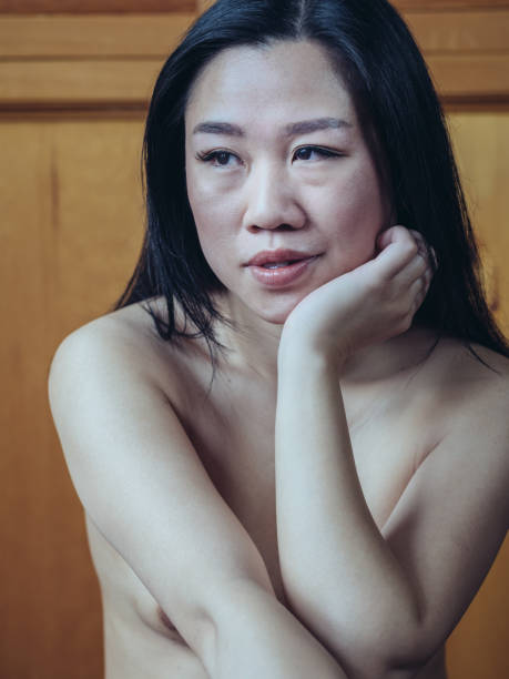 chinese-free-naked-photo-woman-girls-poping-thier-hymens