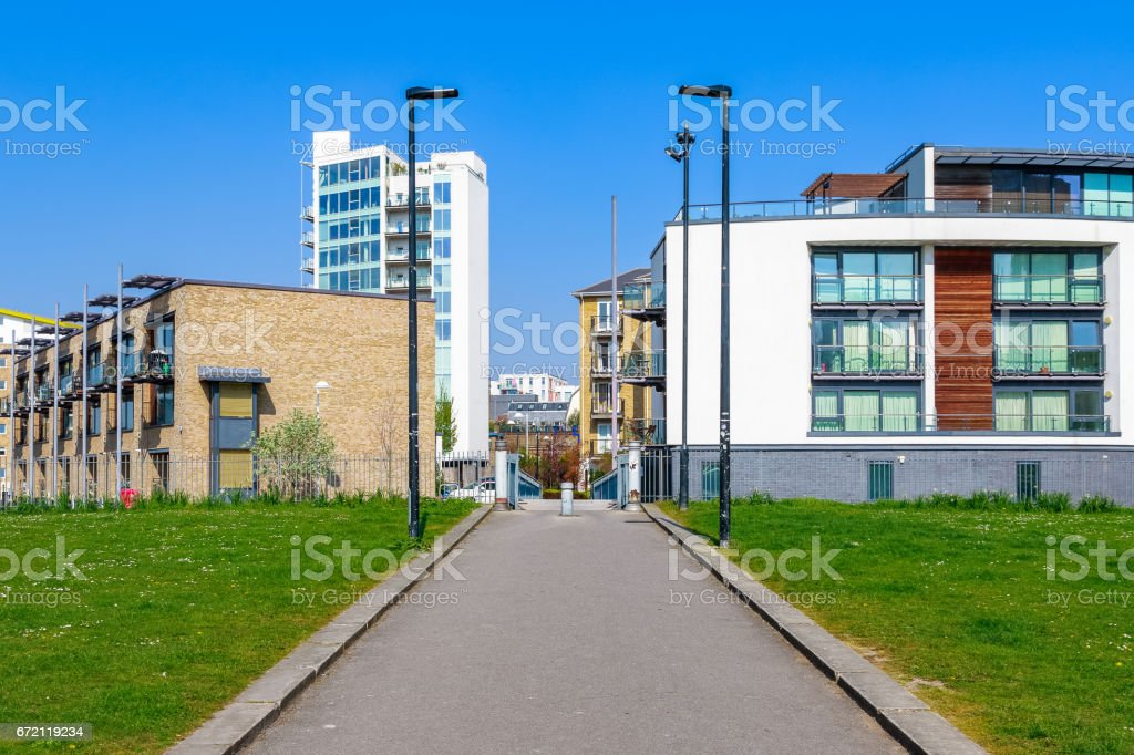 Modern flats seen from Ropemakers Field stock photo