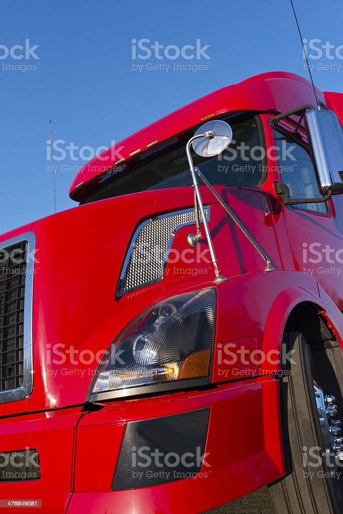 Camion semi rosso moderno foto stock royalty-free
