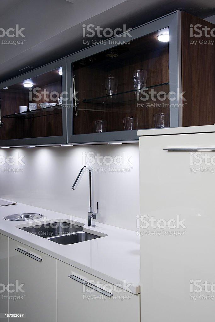 Cocina moderna blanca stock photo