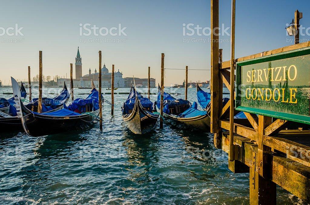 Ormeggiate gondole al San Marco foto stock royalty-free