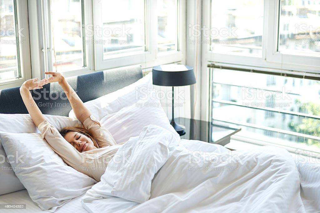Пусть покупают браслеты и платья, нежатся утром в просторной постели
