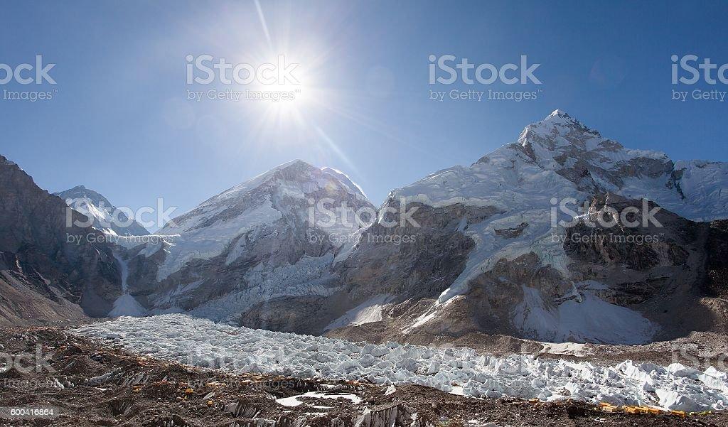 Morning sun above Mount Everest, lhotse and Nuptse stock photo