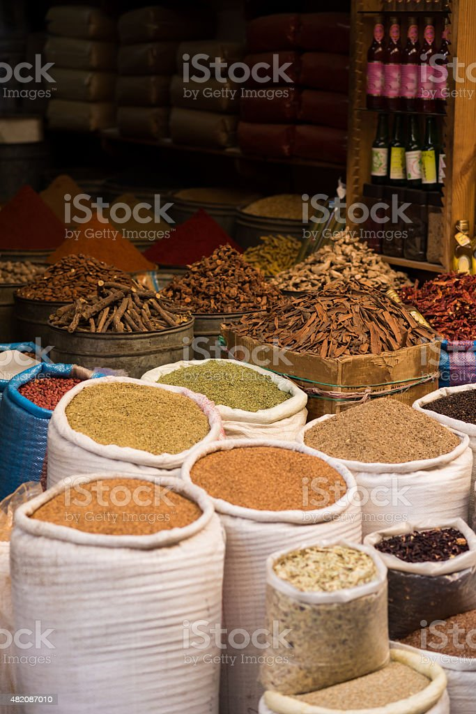 moroccan spice market in the medina stock photo 482087010 | istock