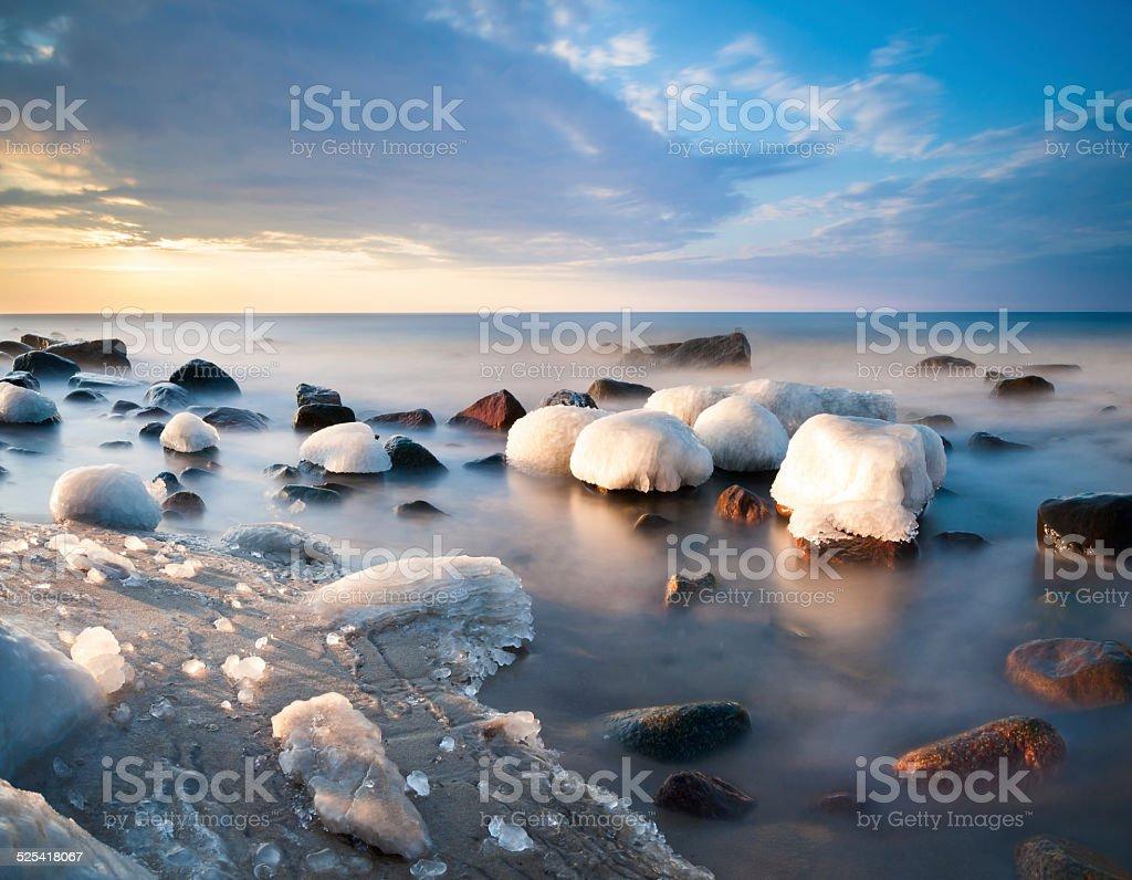 Morska pla?a skuta lodem stock photo