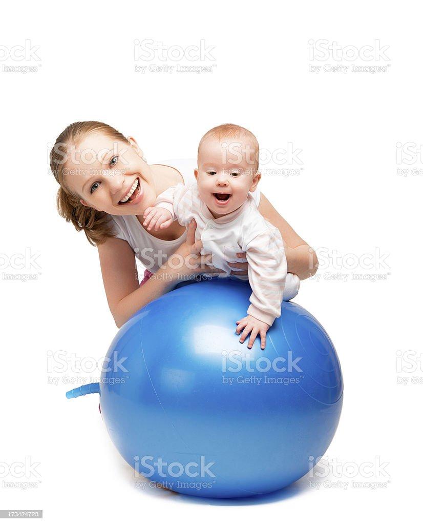 Занятия с ребенком на фитболе фото
