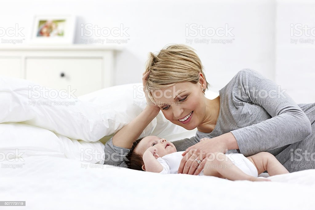 Сын в постели с матерью фото 662-145