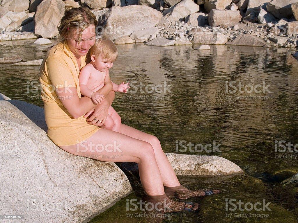 Madre con el niño foto de stock libre de derechos