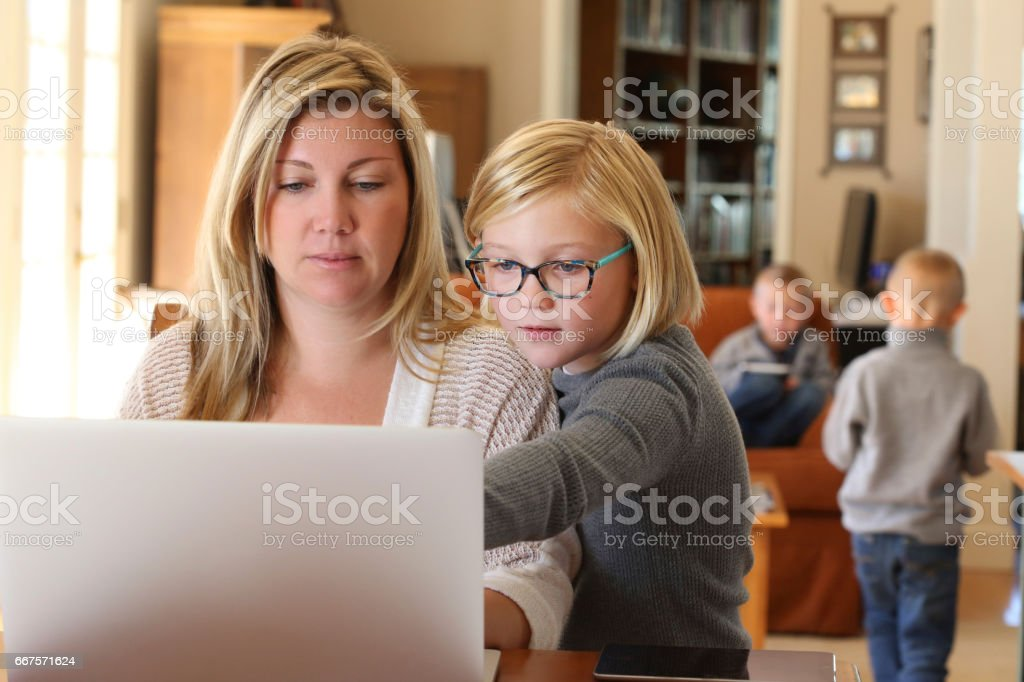 Mothers Working From Home – Foto