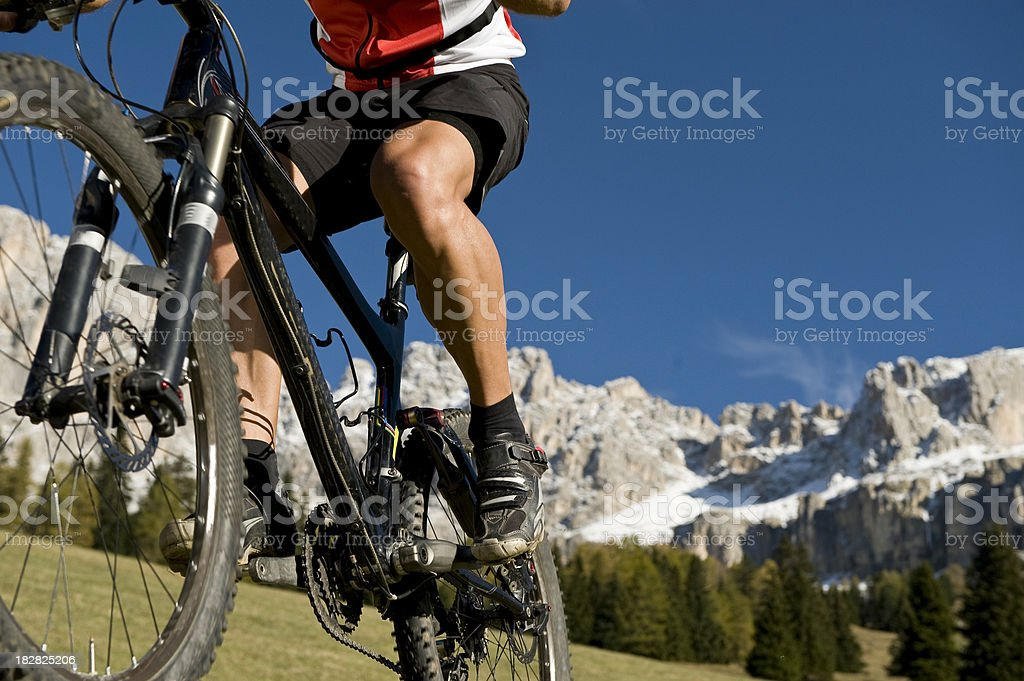 Mountain biker im Detail stock photo