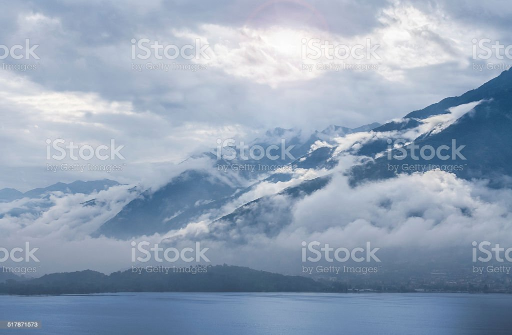 Bergssee am Morgen stock photo