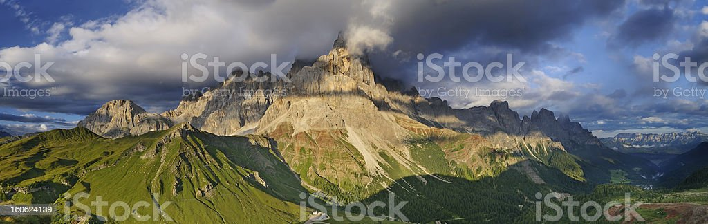 Paesaggio Montano (Pale di San Martino - Dolomiti, Italia) stock photo