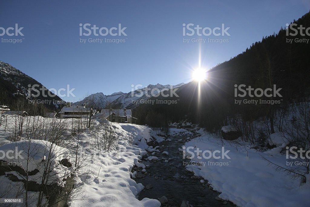 Lever de soleil sur la montagne photo libre de droits