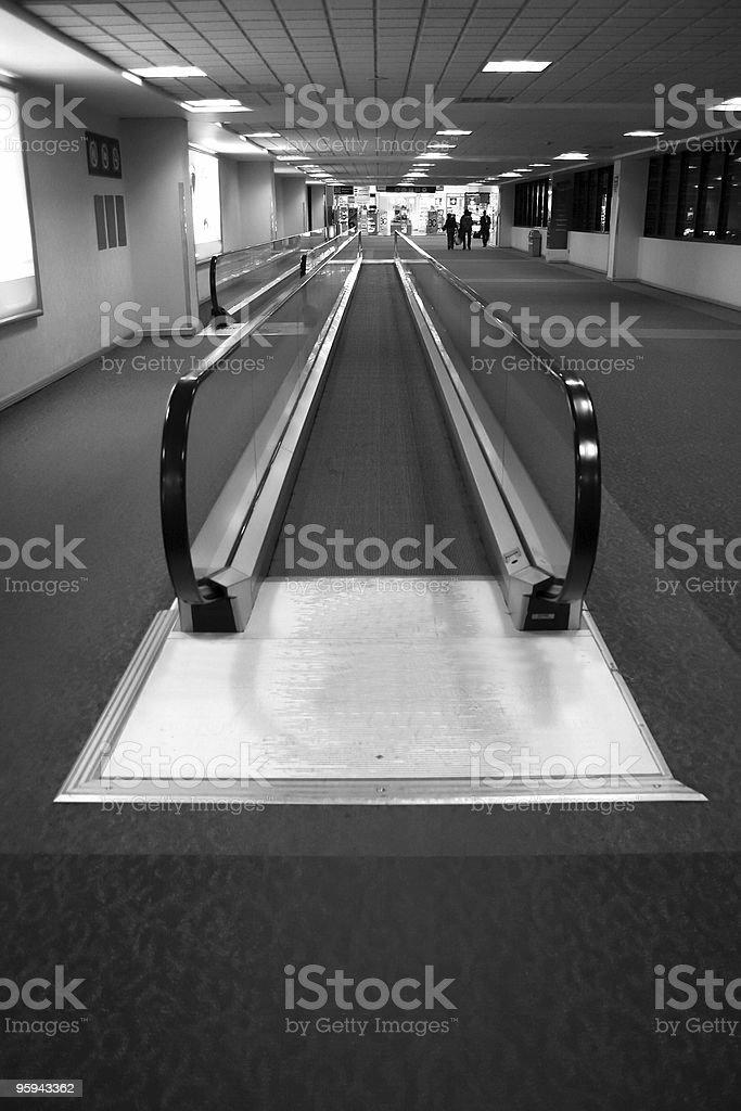 Déplacer de l'aéroport par une passerelle photo libre de droits