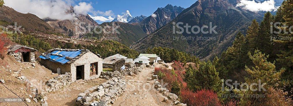 Mt Everest base camp trail Sherpa village Khumbu Himalayas Nepal stock photo