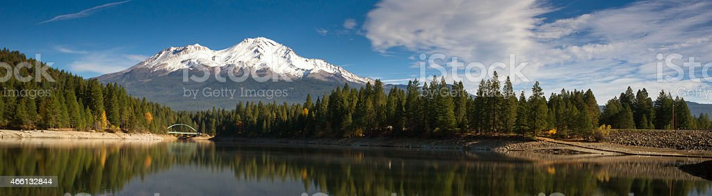 Mt Shasta Mountain Siskiyou Lake Bridge California Recreation Landscape stock photo
