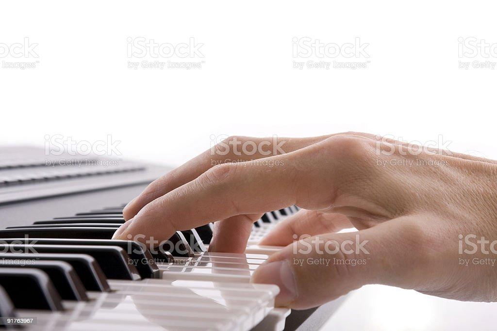 Музыканты Рука играет на пианино Стоковые фото Стоковая фотография