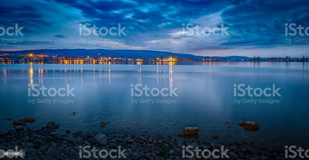 Nachtstimmung am See stock photo