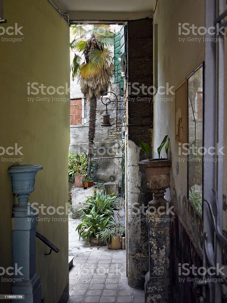 narrow meditteranean courtyard stock photo
