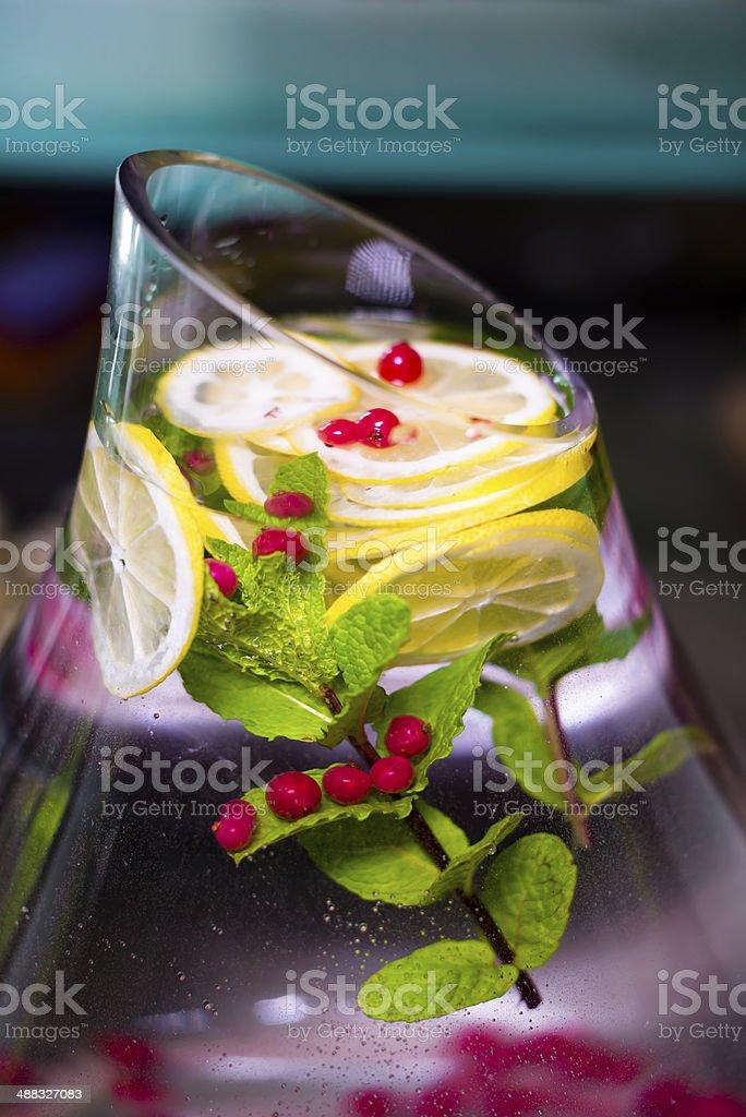 Naturale moderno drink rinfrescante foto stock royalty-free