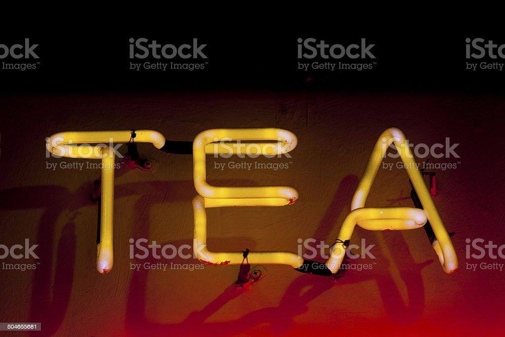 Neon: Tee – Foto