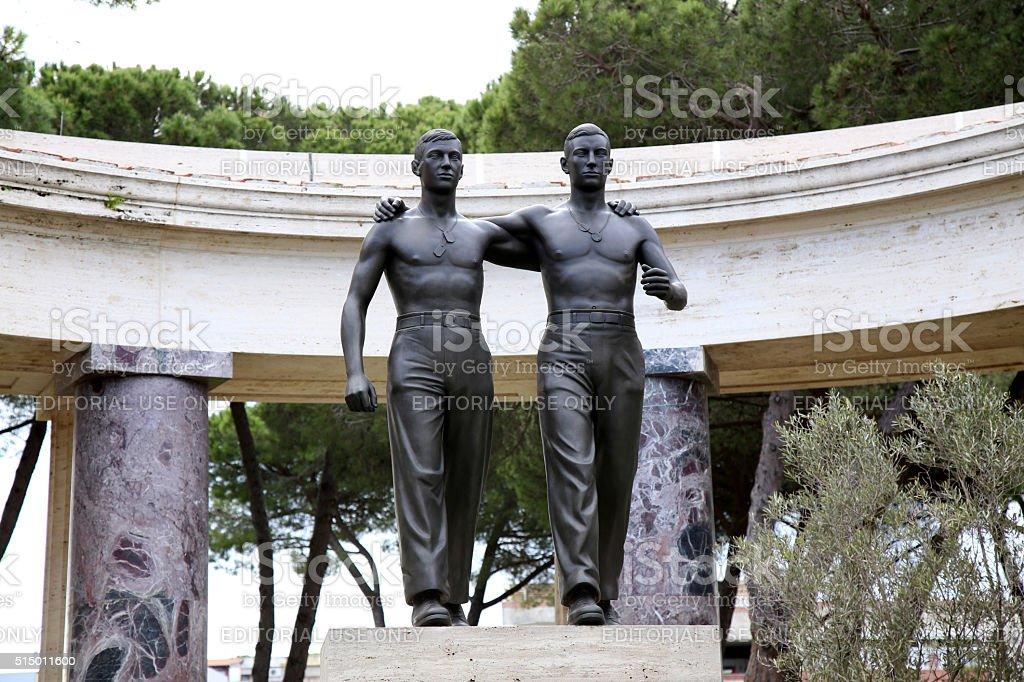 Nettuno, Italia: Statue of two brothers in American Military Cemetery stock photo