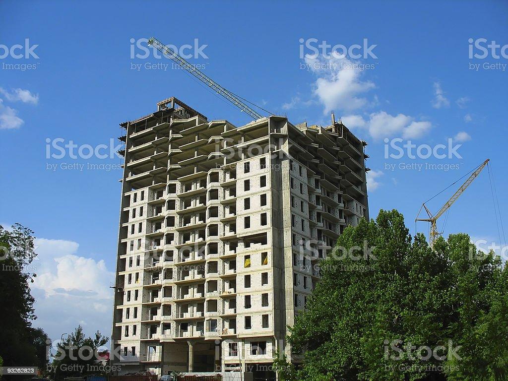 Novo Apartamento casa construção sobre céu azul foto de stock royalty-free