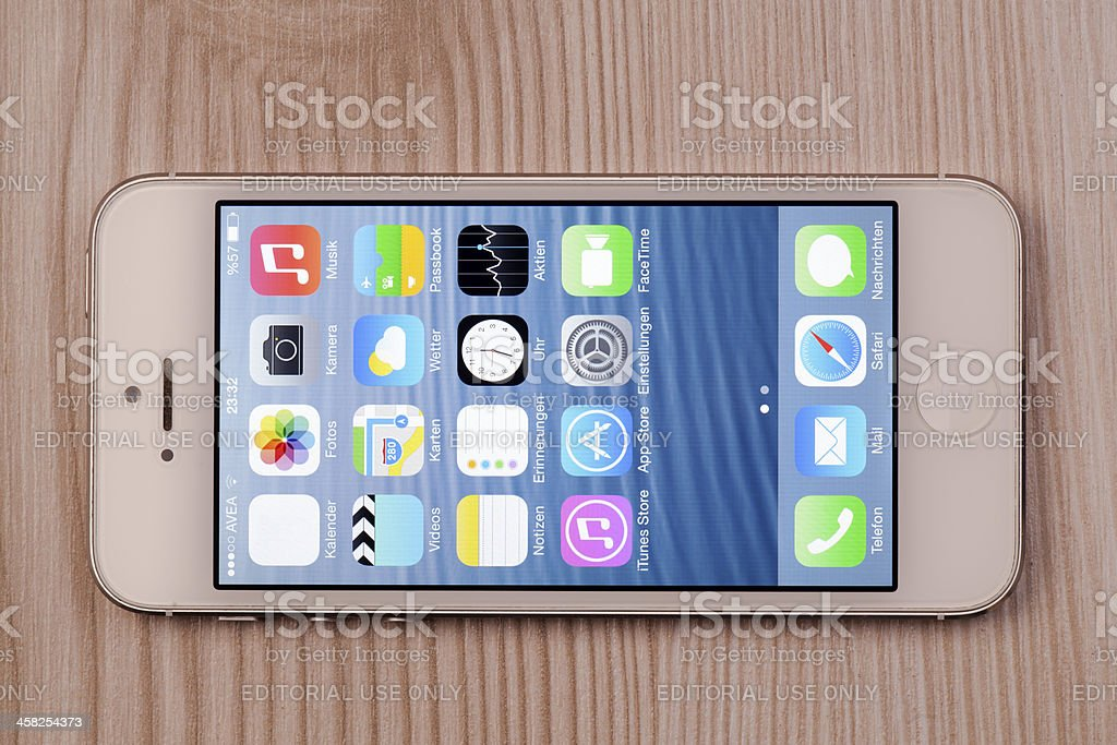 New Apple iOS 7 operating system on iPhone (German Menu) royalty-free stock photo