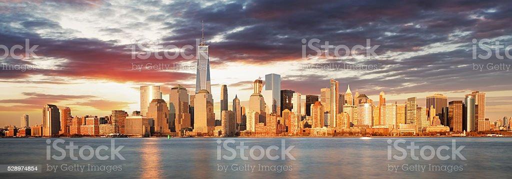 USA, New York panorama at sunrise stock photo