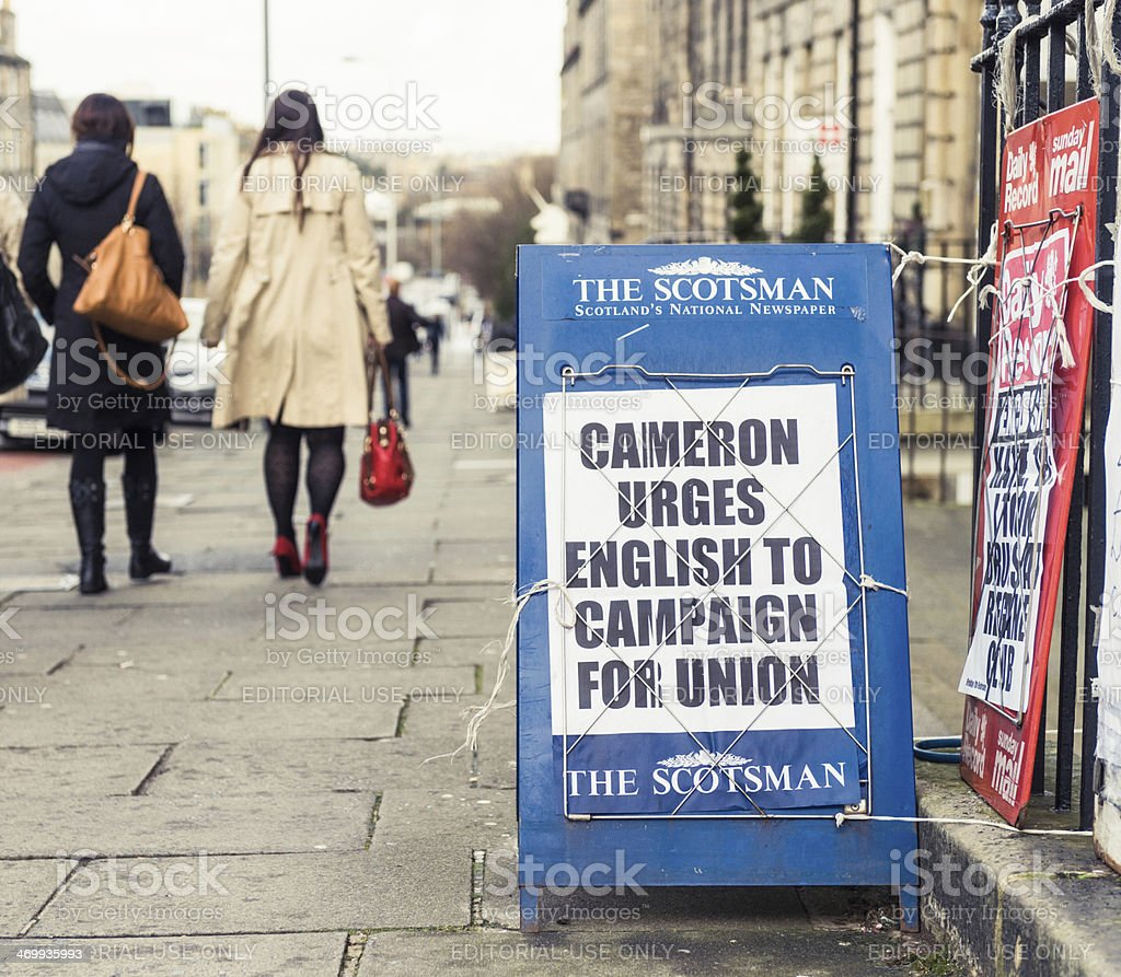 Newspaper reporting David Cameron's intervention in Scottish independence debate stock photo