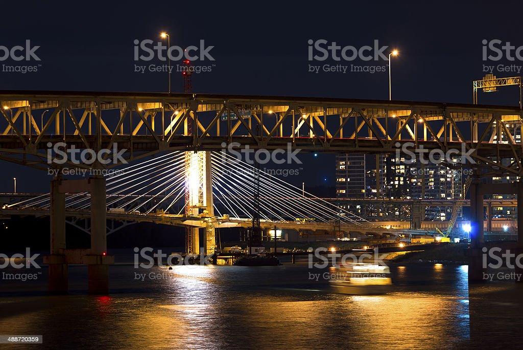 Notte Portland ponti attraverso il fiume Willamette foto stock royalty-free
