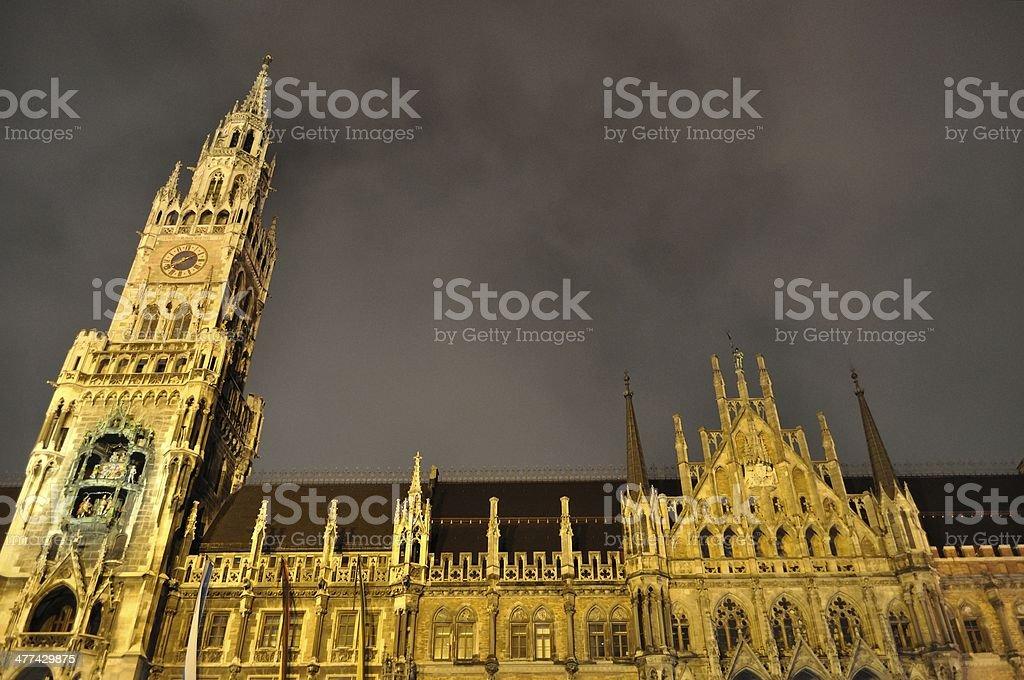 Noc scena z Ratusz przy placu Marienplatz.  Monachium, Niemcy zbiór zdjęć royalty-free